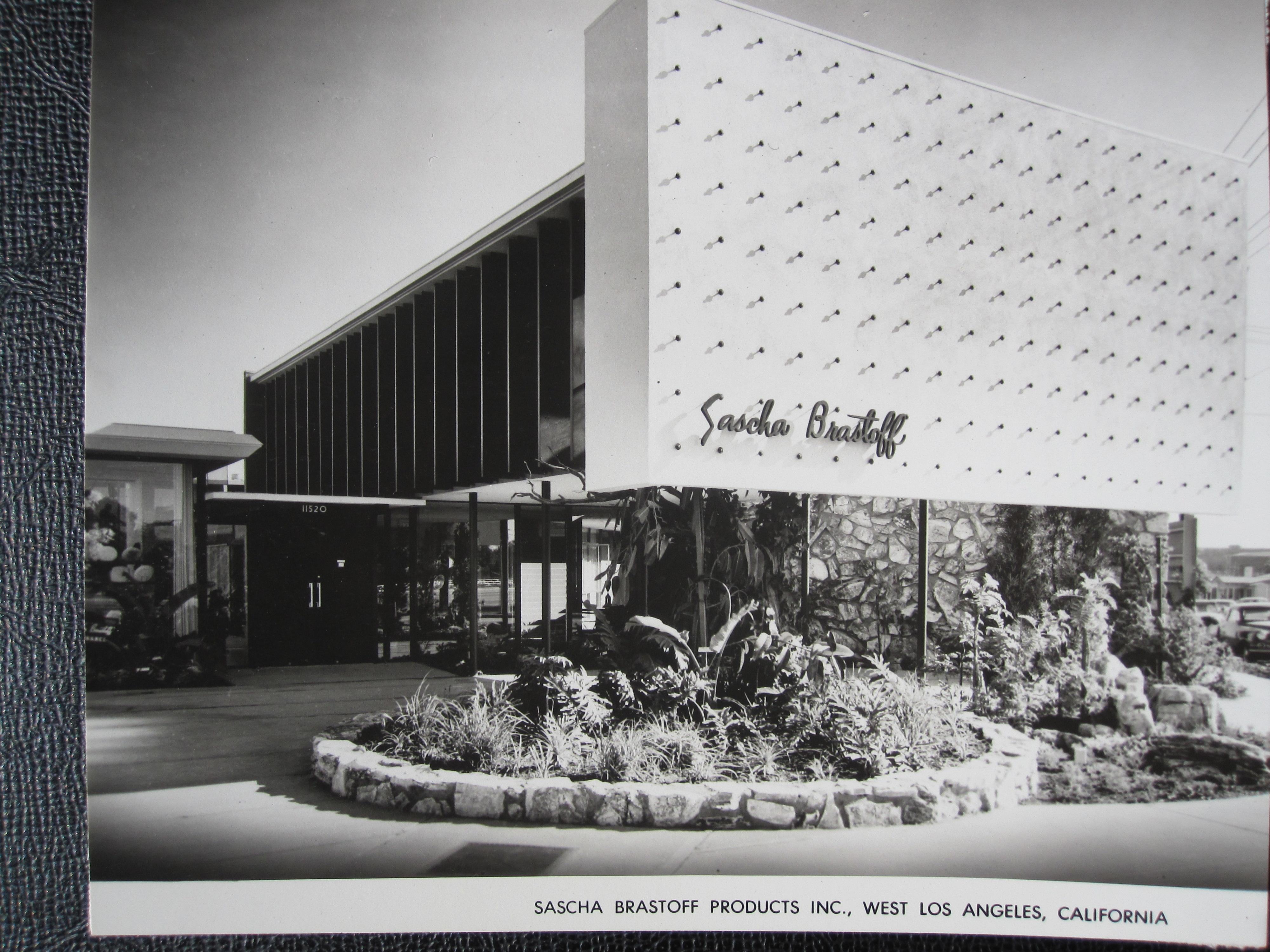 A quincy jones sascha brastoff ceramics factory built 1953 for Jones architecture